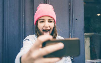 Echanger avec nos ados sur le miroir déformant des réseaux sociaux